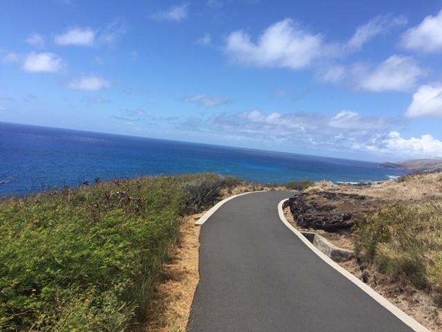 ハワイ ハイキング
